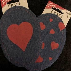 Bilde av Jeanslapper, stort rødt hjerte